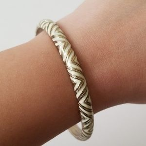 Nordstrom White & Gold Chevron Thin Bangle